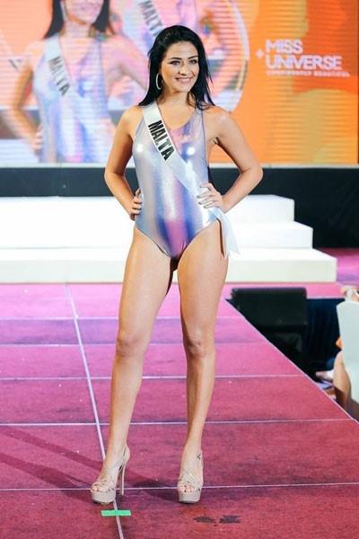 Thí sinh Miss Universe 2016 lộ nhược điểm hình thể với bikini