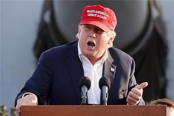 Ông Donald Trump và khẩu hiệu cho lần tái tranh cử tiếp theo. Ảnh: Getty.