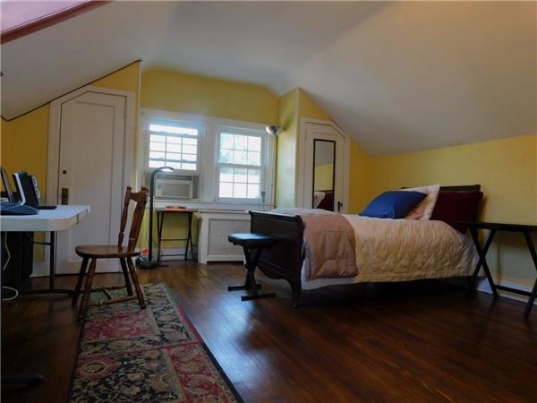 Ngôi nhà có 5 phòng ngủ với tổng diện tích khoảng 334m vuông.