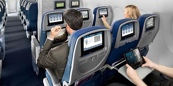 Trên máy bay của hãng JetBlue còn được trang bị rất nhiều thiết bị giải trí. (Ảnh: internet)