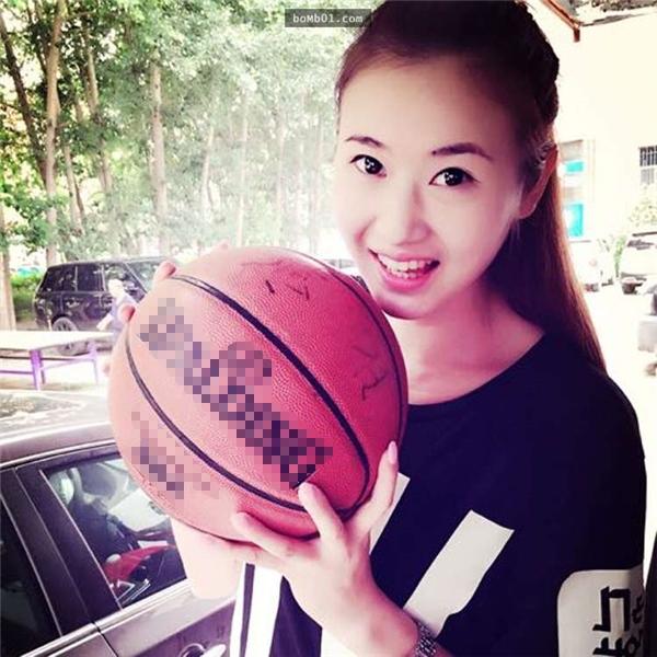 Lương Thiên Vân từng là vận động viên củađội tuyển bóng rổ quốc gia vàhiện đang là huấn luyện viên thể dục.