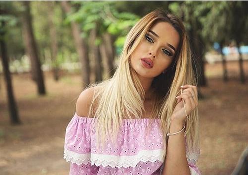 Rụng tim trước nhan sắc xinh đẹp hệt búp bê Barbie của hot girl Nga