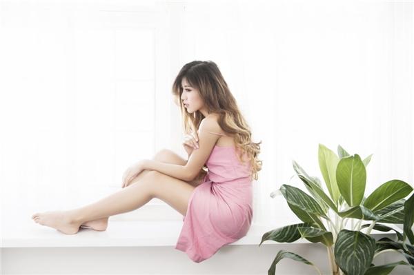 Trang Pháp diện váy hồng gợi cảm, hờ hững khoe vai trần quyến rũ - Tin sao Viet - Tin tuc sao Viet - Scandal sao Viet - Tin tuc cua Sao - Tin cua Sao