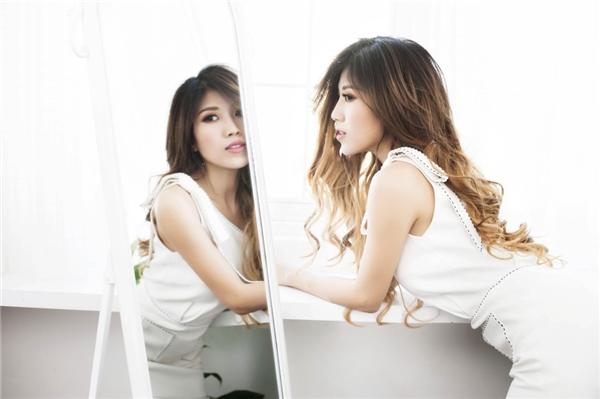 Khép lại năm 2016 và mở ra năm 2017, Trang Pháp tiếp tục khẳng định năng suất làm việc cao khi cho ra mắt album online Tạm Biệt Anh trong những ngày đầu năm mới. - Tin sao Viet - Tin tuc sao Viet - Scandal sao Viet - Tin tuc cua Sao - Tin cua Sao