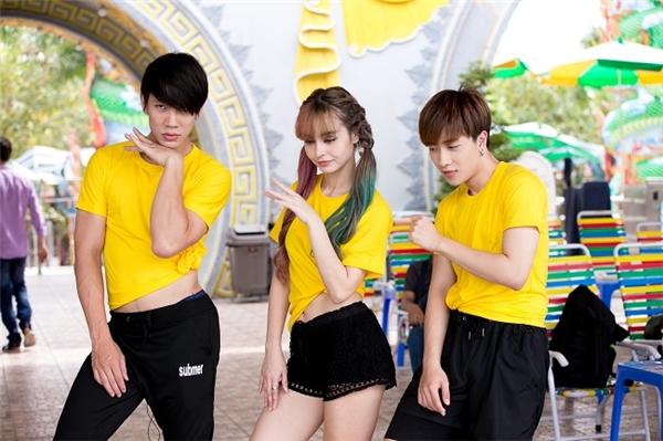 Đội Vàng với sự tham gia của Lincoln, MLee và Nicky. - Tin sao Viet - Tin tuc sao Viet - Scandal sao Viet - Tin tuc cua Sao - Tin cua Sao