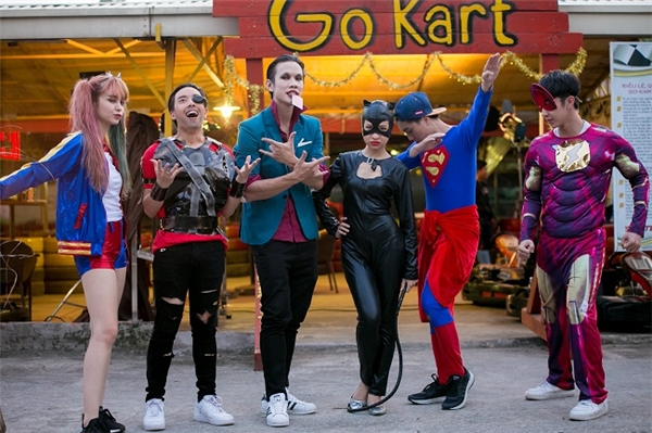 Khách mời và 2 host đều cosplay xuất sắc nhân vật của mình. - Tin sao Viet - Tin tuc sao Viet - Scandal sao Viet - Tin tuc cua Sao - Tin cua Sao