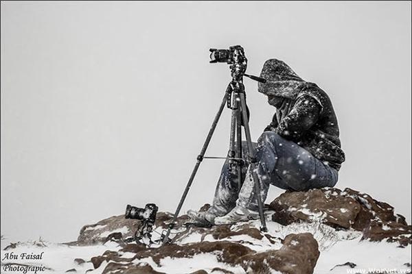Cái lạnh của băng tuyết cũng không làm chùn bước nhiếp ảnh gia. (Ảnh: internet)