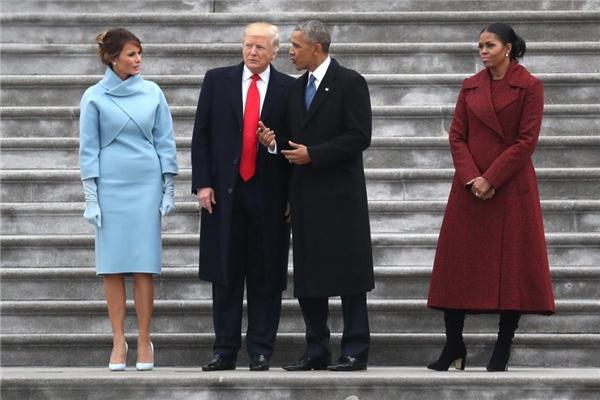Bộ cánh củaRalph Lauren đã giúp bà Trump nổi bật hơn hẳn vị phu nhân Tổng thống đời thứ 44.