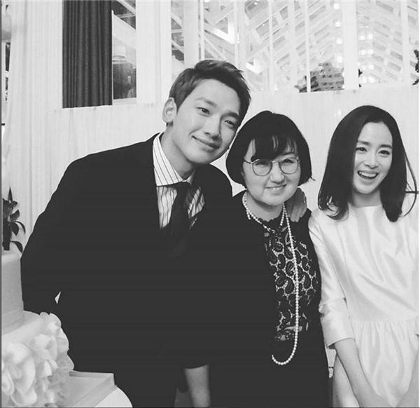 Siêu giàu nhưng Kim Tae Hee vẫn diện váy cưới siêu tiết kiệm