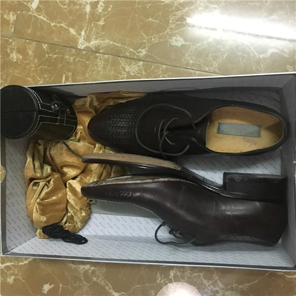 Đôi giày sau khi sử dụng 5 ngày. (Ảnh: Internet)