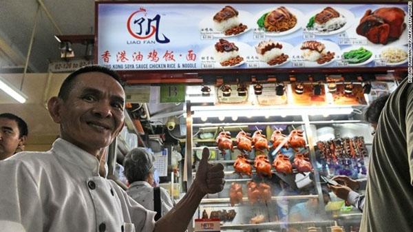 Tiệm cơm và mì gà sốt xì dầu Liao Fan Hong Kong ở Singapore.
