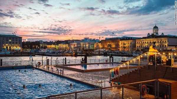 Allas Sea Pool là một tổ hợp tắm hơi công cộng tại Phần Lan.