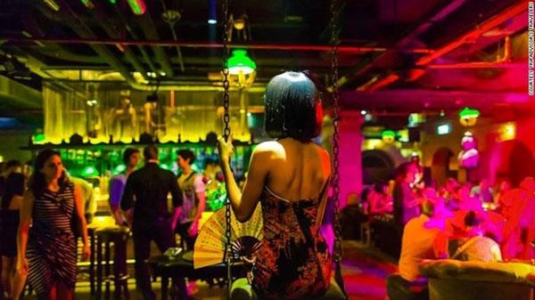 Quán bar Maggie Choo's giữa lòng thủ đô Bangkok (Thái Lan).