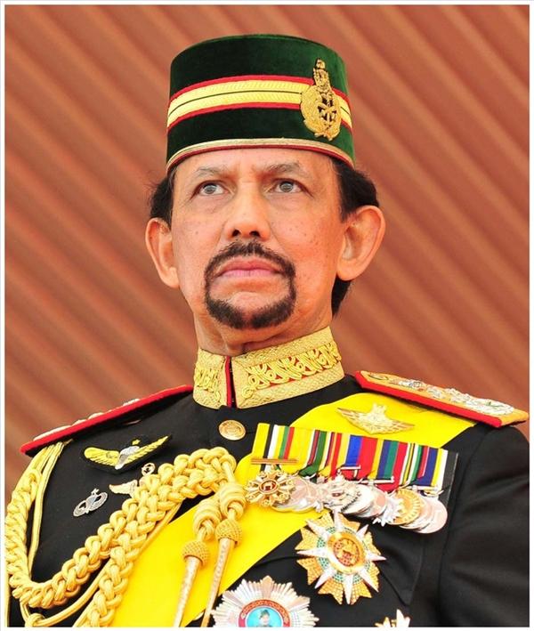 Chân dung Quốc vương Haji Hassanal Bolkiah, một trong những người đàn ông giàu có nhất thế giới.