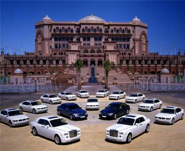 Bộ sưu tập siêu xe đồ sộ của Quốc vương.