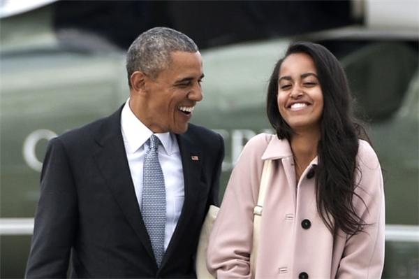 Ông Barack Obama luôn chăm lo cho việc học tập của con gái mình.