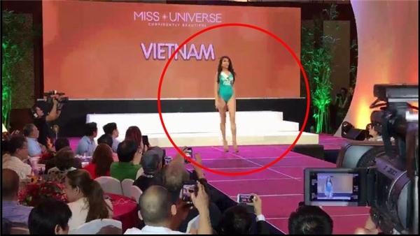 """Sự thật về việc Lệ Hằng suýt """"vồ ếch"""" trên sàn diễn Miss Universe 2016"""