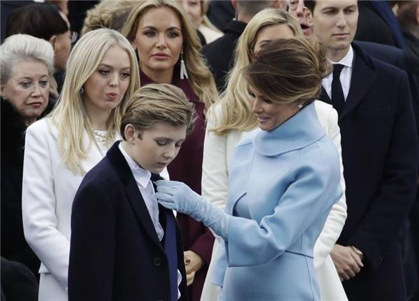 Dù ở góc độ nào, Barron Trump cũng đáng yêu không thể tả.(Ảnh: Internet)