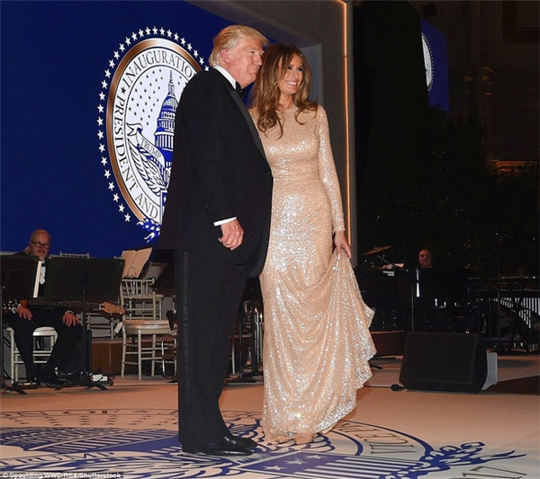 Tổng thốngDonald Trump và phu nhân Melaniatham dựbuổi hòa nhạc chàomừng lễ nhậm chức được diễn ra tại trung tâm thương mại Union Station tại Washington D.C. vào ngày 19/1.