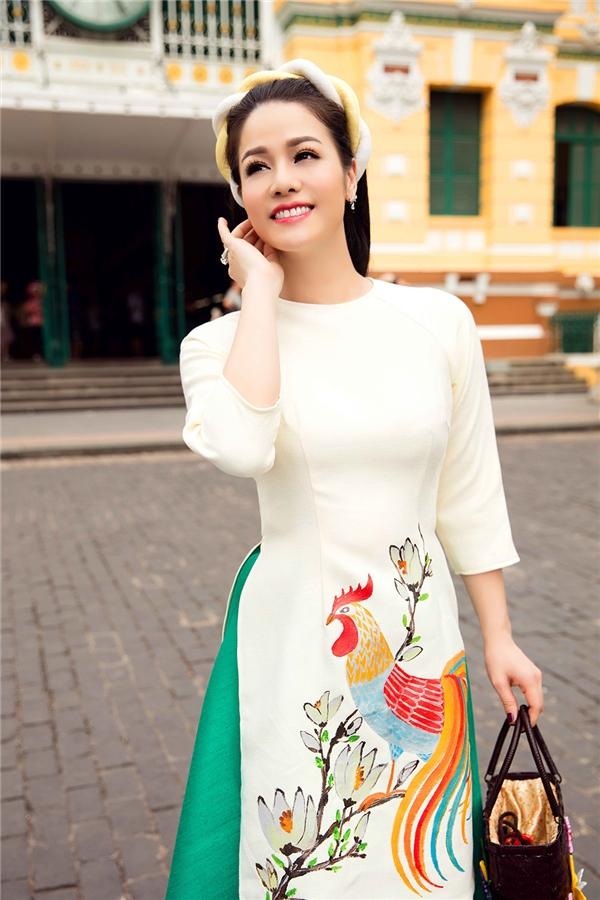 """Dù xuất thân là một ca sĩ nhưng nghiệp diễn lại là """"mảnh đất"""" tạo nên tên tuổi và chỗ đứng cho Nhật Kim Anh trong làng giải trí Việt. Cô từng nhận nhiều giải thưởng liên quan đến bộ môn nghệ thuật chiều thứ bảy như sự công nhận cho nỗ lực của Nhật Kim Anh."""
