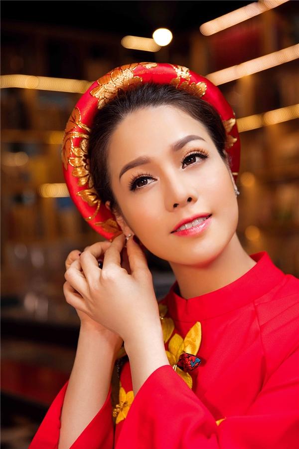 Bên cạnh công việc thì hiện tại niềm vui của Nhật Kim Anh còn là thiên thần nhỏ rất đáng yêu và ngoan ngoãn. Nhật Kim Anh cho biết từ khi sinh con mọi thứ với cô dường như trời yên biển lặng, mang lại nhiều may mắn hơn.
