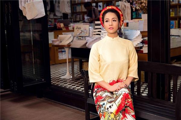 Nhật Kim Anh duyên dáng với áo dài ngày đầu Xuân