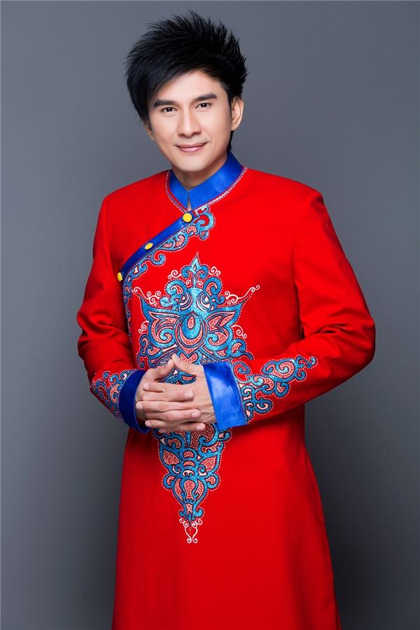 Đan Trường diện áo dài trẻ trung đón Tết khiến fans thích thú - Tin sao Viet - Tin tuc sao Viet - Scandal sao Viet - Tin tuc cua Sao - Tin cua Sao