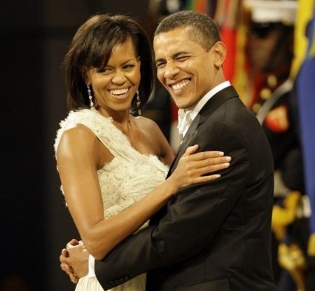 Vợ chồng ông Obama hạnh phúc bên nhau.