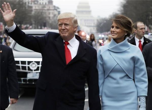 Hình ảnh vợ chồng ông Trump trong lễ nhậm chức.