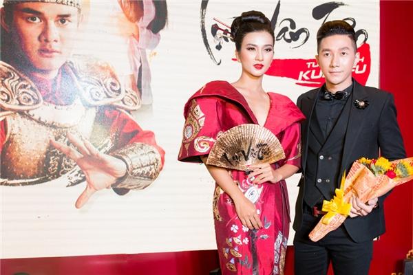 Siêu mẫu Nam Phong cũng đảm nhận một vai phụ trong phim.