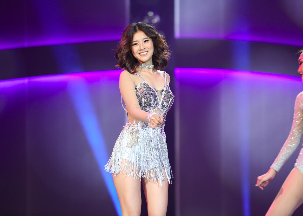 Chí Thiện, Hoàng Yến Chibi trẻ trung với Liên khúc Fighters - Cinderella.