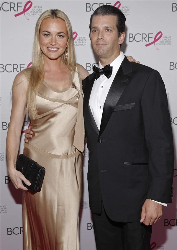 Vanessa được chính bố chồng Donald giới thiệu cho con trai mình là Donald Jr. trong một buổi trình diễn thời trang vào năm 2003.