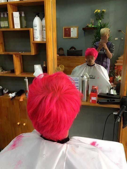 """Còn chàng trai này thì lựa chọn màu hồng """"hoa đào"""".(Ảnh: Internet)"""