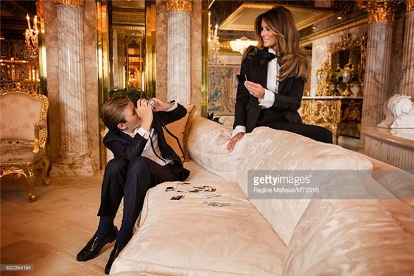 Cuộc sống của soái ca baby Barron Trump sẽ thay đổi như thế nào?