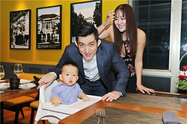 Phi Thanh Vân-Bảo Duy công khai mối quan hệ vào năm 2014 và đã đăng kí kết hôn. Ông xãkém cô hai tuổi, từng đổ vỡ hôn nhân.
