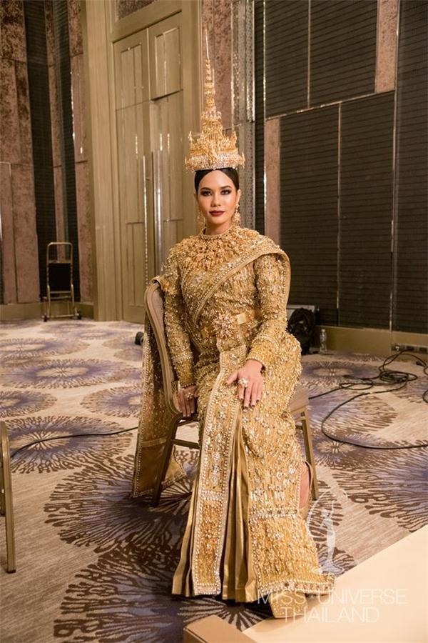 Đây là trang phục truyền thống đắt giá nhất tại Miss Universe 2016