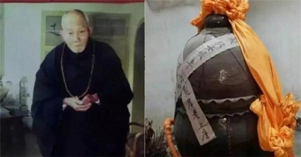 Lão hòa thượng Phúc Hậu và chiếc ang ướp xác. (Ảnh: internet)