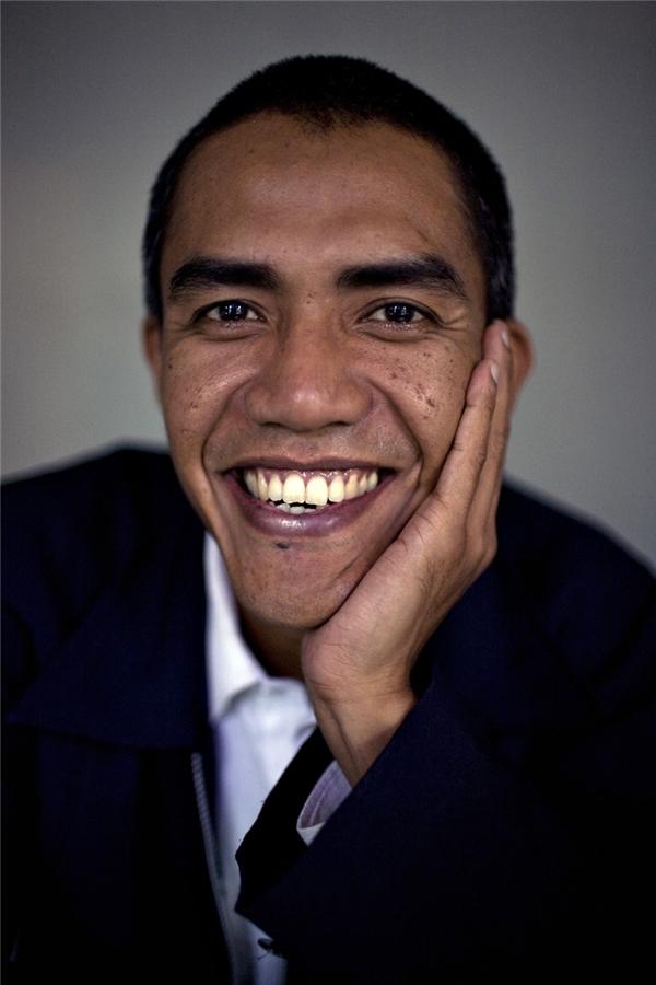 Barack Obama đến từ Indonesia. Thật ra thì đây là người em trai song sinh của Obama ở quê nhà Indonesia.
