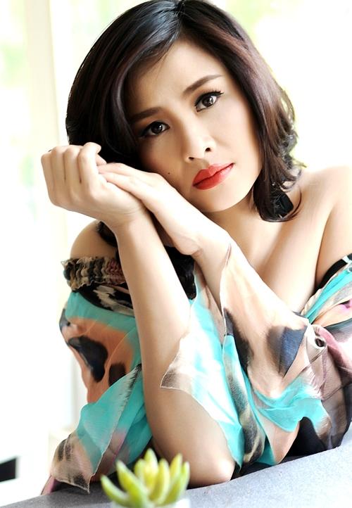 Sau hai cuộc hôn nhân trắc trở, Thanh Lam vẫn không tiết lộ về người đàn ông hiện tại. Thậm chí cô còn chưa có ý định đi thêm bước nữa. - Tin sao Viet - Tin tuc sao Viet - Scandal sao Viet - Tin tuc cua Sao - Tin cua Sao
