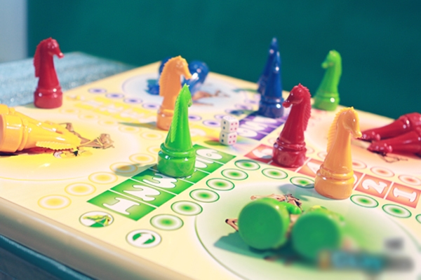 """Quên smartphone đi, Tết này chơi board game tăng """"tình đồng đội"""""""