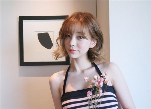 Xịt máu mũi với thân hình gợi cảm của cựu thành viên nhóm nhạc Kpop