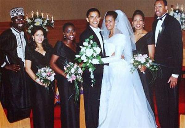 Và với chính bàn tay giúp đỡ của người phụ nữ tuyệt vời này, Barack Obama đã nhậm chức Tổng thống da màu đầu tiên của nước Mỹ và có một sự nghiệp chính trị không gì huy hoàng bằng.
