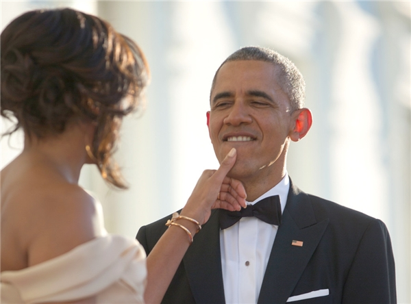 """Đệ nhất phu nhân Michelle LaVaughn Robinson từng xúc động nói: """"Tôi kết hôn với Barack Obama không phải bởi ngoại hình mà vì tâm lý sâu sắc và tình yêu chân thành""""."""