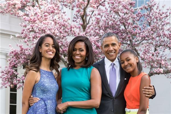 Lúc này, ông Obama mới thực sự bỏ lại công việc sau lưng để ở lại cùng con trong hành trình chiến đấu với sự tàn nhẫn của tử thần.