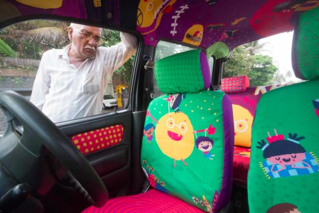 Chiếc taxi màu sắc chở phép màu đi khắp nơi của cụ ông 74 tuổi