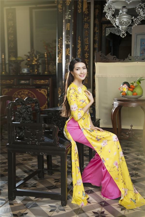 Mẹ con Phan Thị Mơ diện áo dài dịu dàng đón Tết - Tin sao Viet - Tin tuc sao Viet - Scandal sao Viet - Tin tuc cua Sao - Tin cua Sao