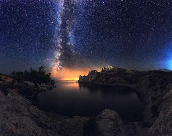 Một cái vịnh nằm tại Novyi Svet, Crimea
