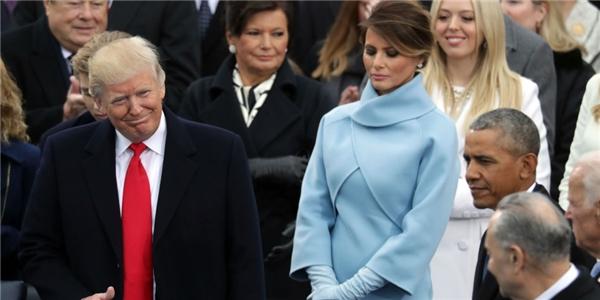 Hầu hết mọi người đều bày tỏ sự lo lắng trước hành động khó hiểu của phu nhân Tổng thống Donald Trump.