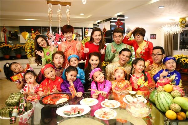 Với người Việt, Tết là khoảng thời gian để cả gia đình trở về quây quần bên nhau. (Ảnh minh họa - Nguồn: Internet)