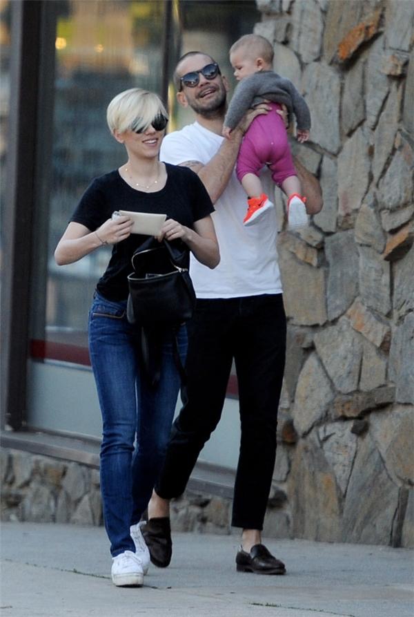 Scarlett Johansson và Romain Dauriac bí mật làm đám cướivào năm 2014sau khi chào đón con gái đầu lòng Rose Dorothy